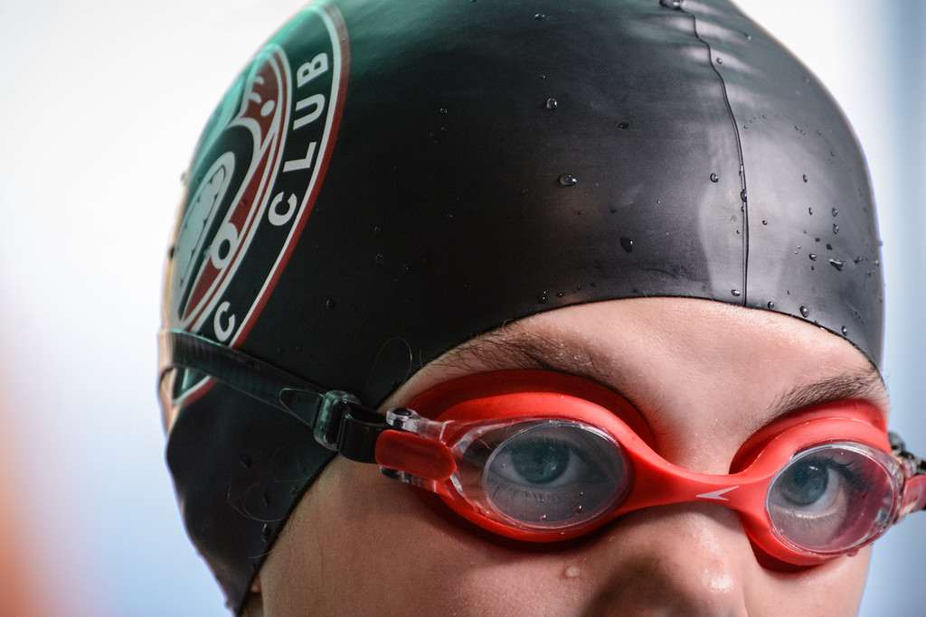 goggles and cap
